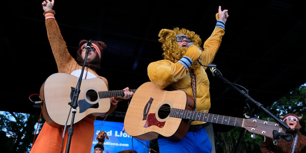 Bears and Lions perform at 2018 fanfares and fireworks